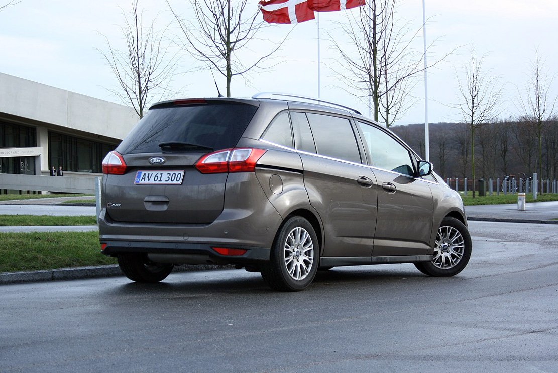 test ford grand c max klar til sidste omgang. Black Bedroom Furniture Sets. Home Design Ideas