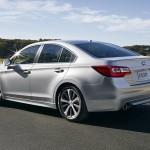 Bagfra minder Subaru Legacy's design om de amerikanske udgaver af Toyota Camry og Honda Accord. En stationcar-udgave ventes i 2015.