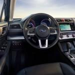 Der er noget 90er retro over kabinen i Subaru Legacy, men sædvanligvis sidder man fremragende og kvaliteten er skudsikker.