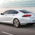 Lang, lav og bred: Opel Insignia Grand Sport får et elegant og coupé-lignende design.