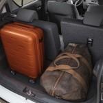 Fra mellemste udstyrstrin kan bagsædet forskydes 16,5 cm. Til gengæld indskrænkes bagsædet fra tre til to pladser.