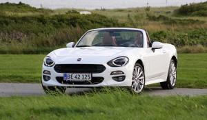 Fiat Spider er en skøn bil - men med et salg på kun otte styk er den nu trukket ud af det danske marked.
