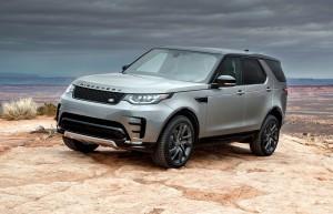 Land Rover Discovery er en ikonisk bil - særligt i en tid, hvor SUV-bølgen når nye højder. Til priser fra lige under millionen, har den dog ingen chance for at blive Årets Bil i Danmark.