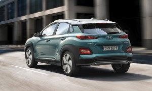 Kona er fra start udviklet til også at være elbil, derfor er alle batterier placeret i bunden af bilen - til gavn for både plads og køreegenskaber.